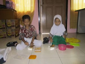 students-feeding-program-14